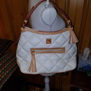 DOONEY BOURKE WHITE SPICY QUILTED HOBO